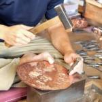 伝統工芸の彫金はどんな技法?