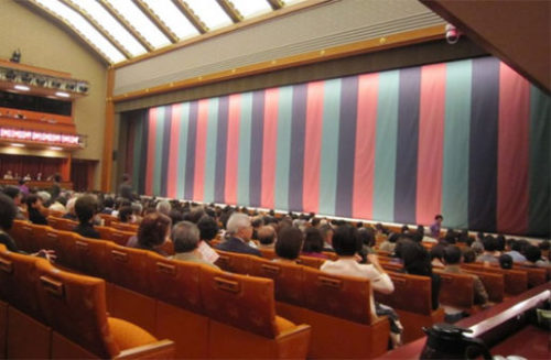 歌舞伎を見に行こう