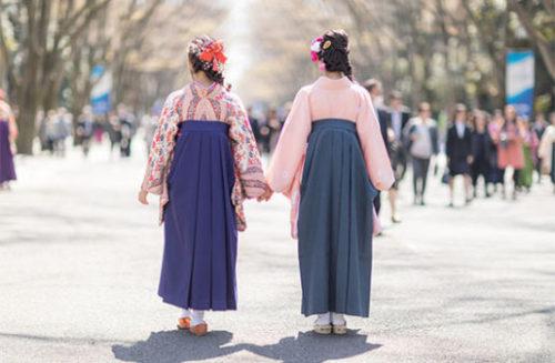 袴姿の二人