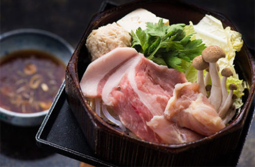 野菜たっぷり日本の鍋