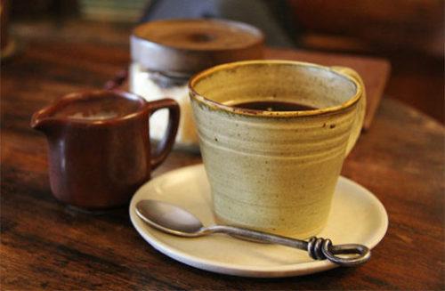 古民家カフェは器も素敵