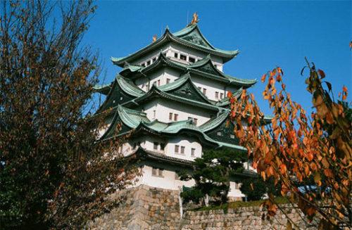 金の鯱鉾で有名な名古屋城