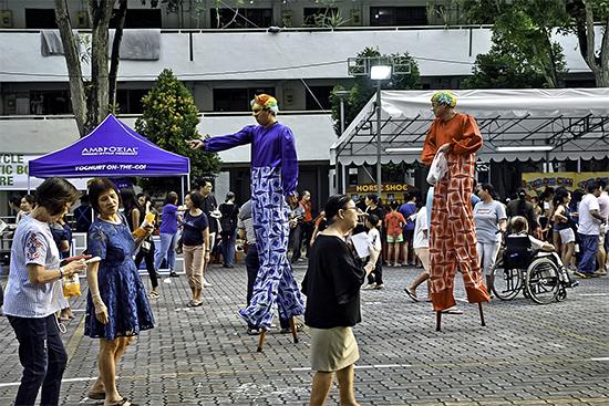 外国の竹馬祭り