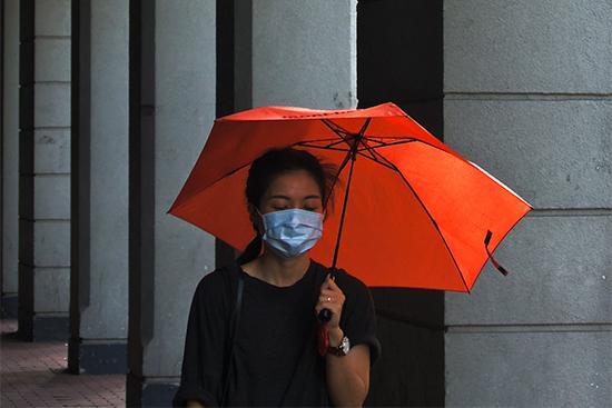 雨の日はマスクがさらに蒸れる