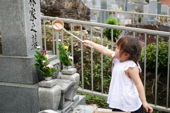 海外と日本のお弔いの違い