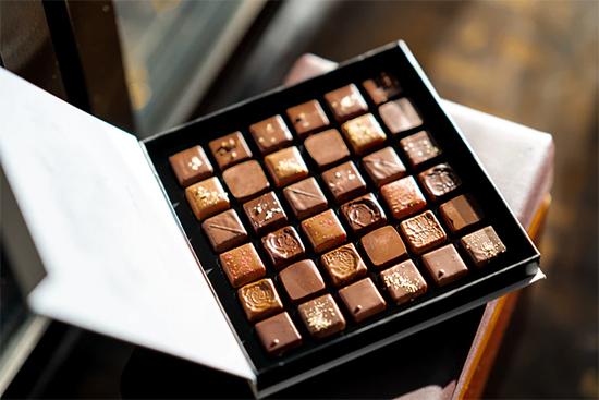 オンラインでチョコを選びを楽しむ